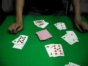 玩扑克要花脑力;也需要勇气